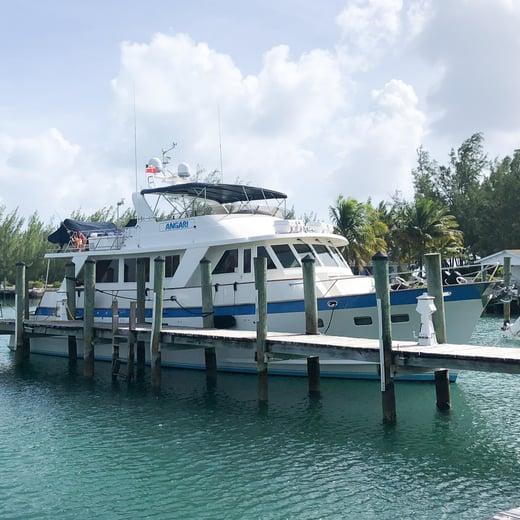 RV ANGARI in Bahamas 1x1
